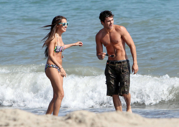Ashley tisdale dating who