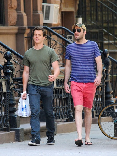 Zachary quinto is dating jonathan groff