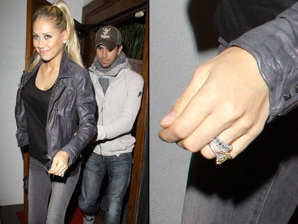 anna kournikova and enrique iglesias married. A beaming Anna Kournikova