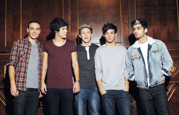 http://www1.pictures.zimbio.com/pc/boys+One+Direction+greet+their+Italian+fans+ZbLR0QincgCl.jpg