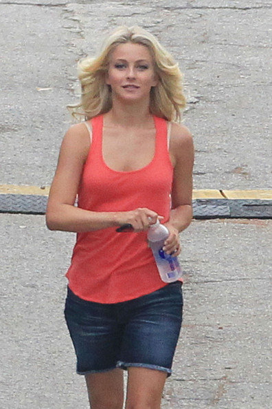 "A fit looking Julianne Hough stayed hydrated with a bottle of Smart Water on the set of ""Rock of Ages"" in Florida."