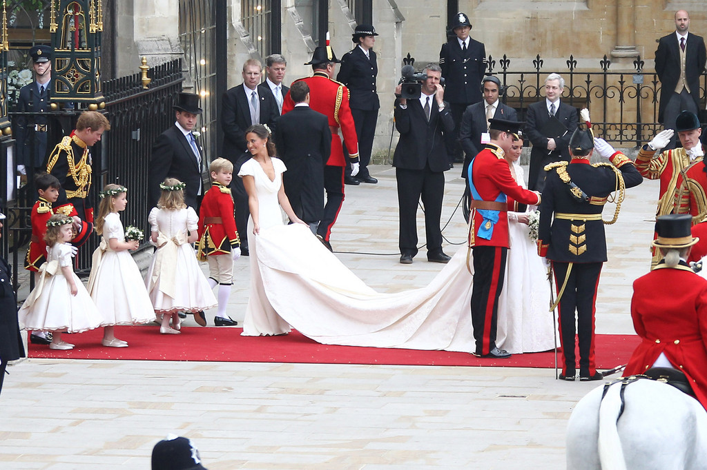 Kate Middleton And Pippa Photos Newly Married Royals Leave Westminster Abbey Zimbio