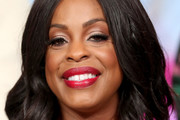Niecy Nash Medium Wavy Cut