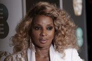 Mary J. Blige Medium Curls