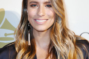 Renee Bargh Long Wavy Cut