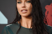 Adriana Lima Long Wavy Cut