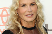 Daryl Hannah Long Wavy Cut
