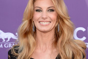 Faith Hill Long Wavy Cut