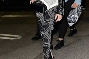 Elizabeth Banks Print Pants