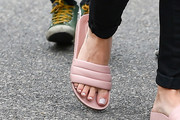 Hilary Duff Slide Sandals Are The Summer Footwear Trend We Can't Get Enough Of