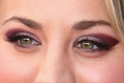 Kaley Cuoco Bright Eyeshadow