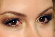 Kimberley Nixon Metallic Eyeshadow