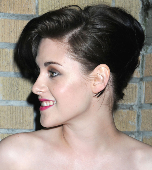 kristen stewart hair 2011. Kristen#39;s short pinned up hair