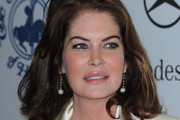 Lara Flynn Boyle Medium Wavy Cut