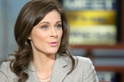 Erin Burnett Medium Curls