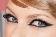 Taylor Swift Cat Eyes