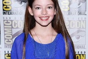Mackenzie Foy Long Straight Cut