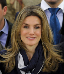 Princess Letizia Long Wavy Cut