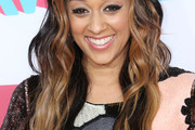 Tia Mowry Long Wavy Cut