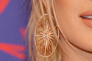 Carrie Underwood Dangling Diamond Earrings