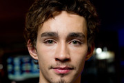 Robert Sheehan Short Curls