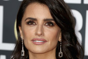 Penelope Cruz Long Wavy Cut