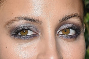 Nicole Richie Metallic Eyeshadow