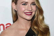 Britt Robertson Side Sweep