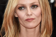 Vanessa Paradis Medium Layered Cut