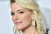 Megyn Kelly Medium Wavy Cut