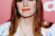 Jenny Lewis Long Wavy Cut with Bangs