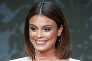 Nathalie Kelley Mid-Length Bob