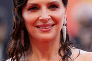 Juliette Binoche Long Wavy Cut