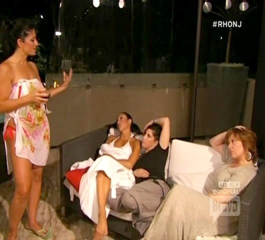 The Real Housewives of New Jersey – Season 4, Episode 17