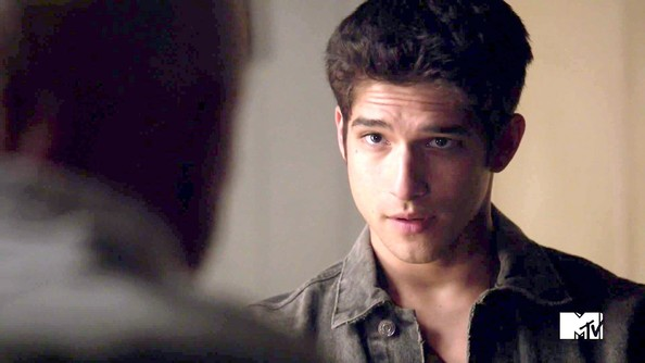 Tyler Posey Photos Photos - Teen Wolf Season 3 Episode 8 ...