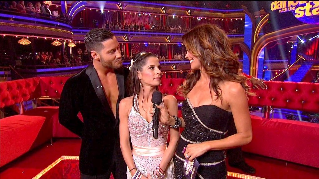 kelly and val dating on dancing with the stars