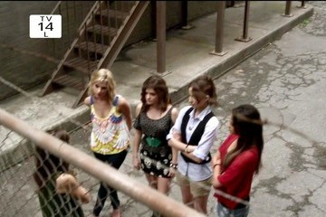 Lucy Hale Shay Mitchell Pretty Little Liars Season 3 Episode 3